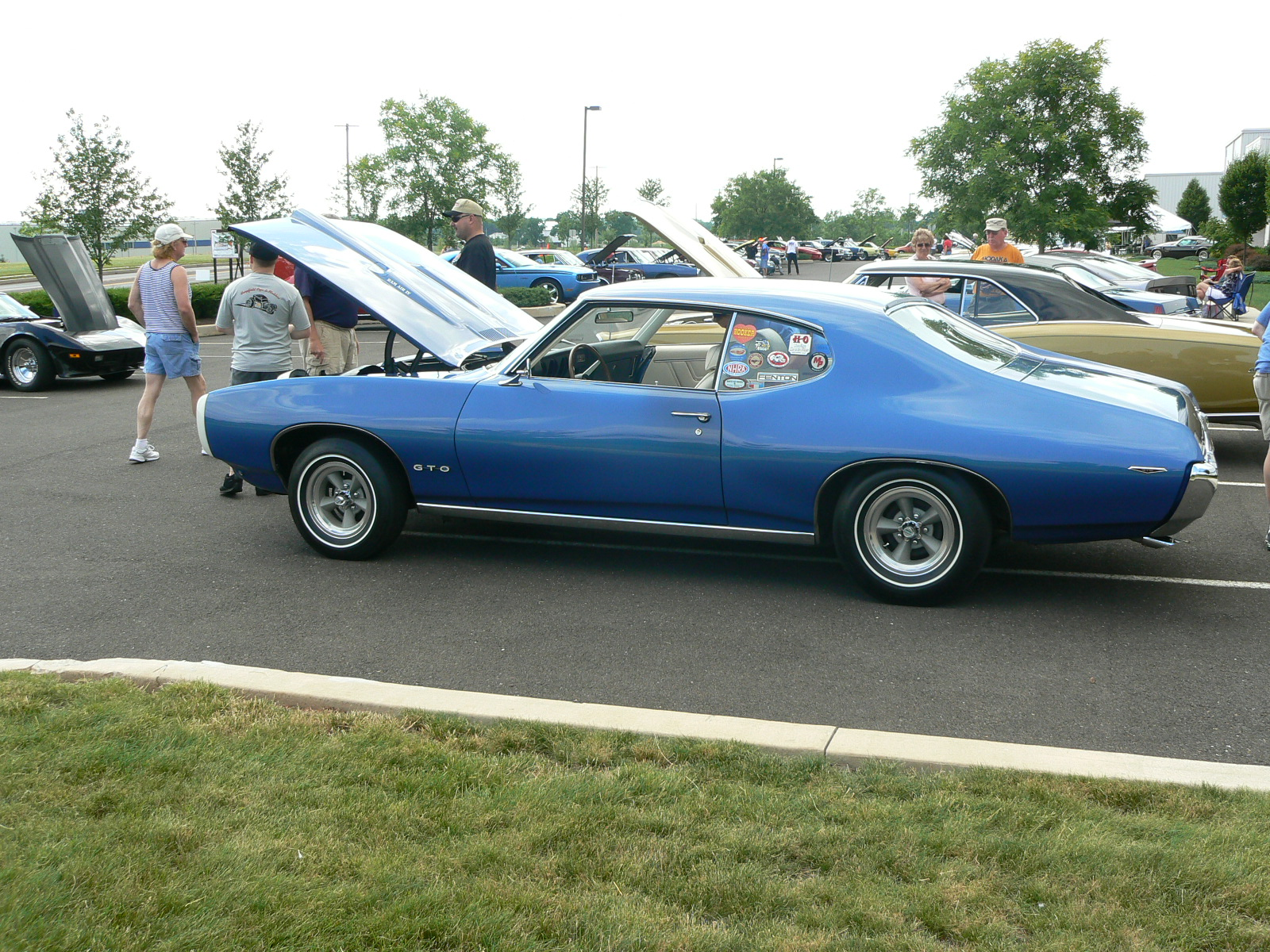 Pontiac's in Pontiac-p1030399.jpg