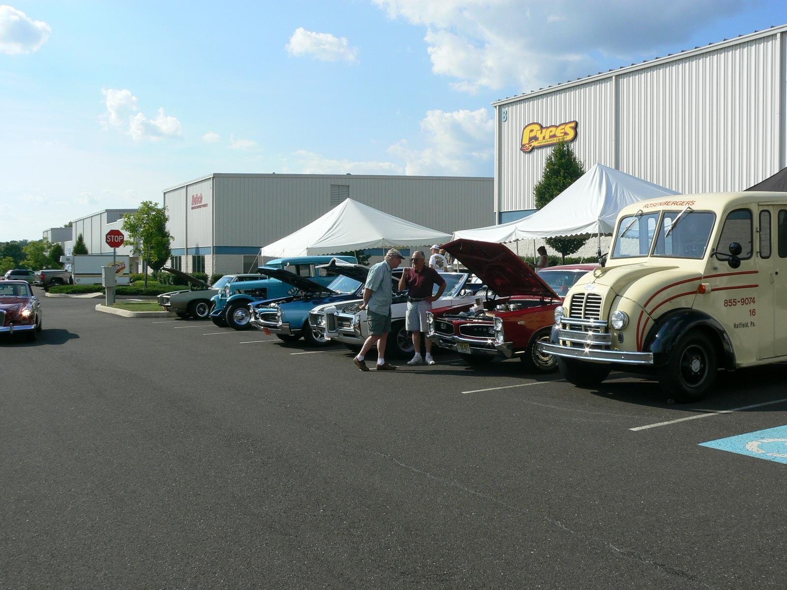 Pontiac's in Pontiac-p1030415.jpg