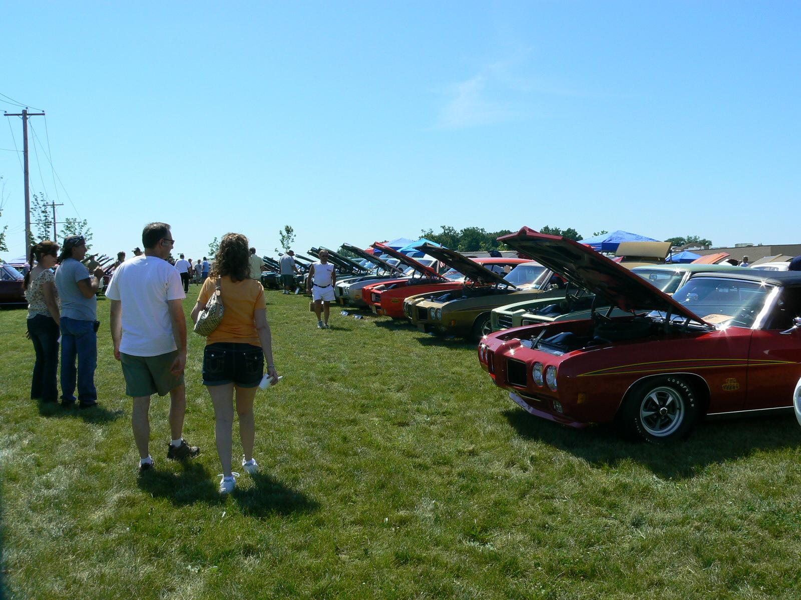 Pontiac's in Pontiac-p1030449.jpg