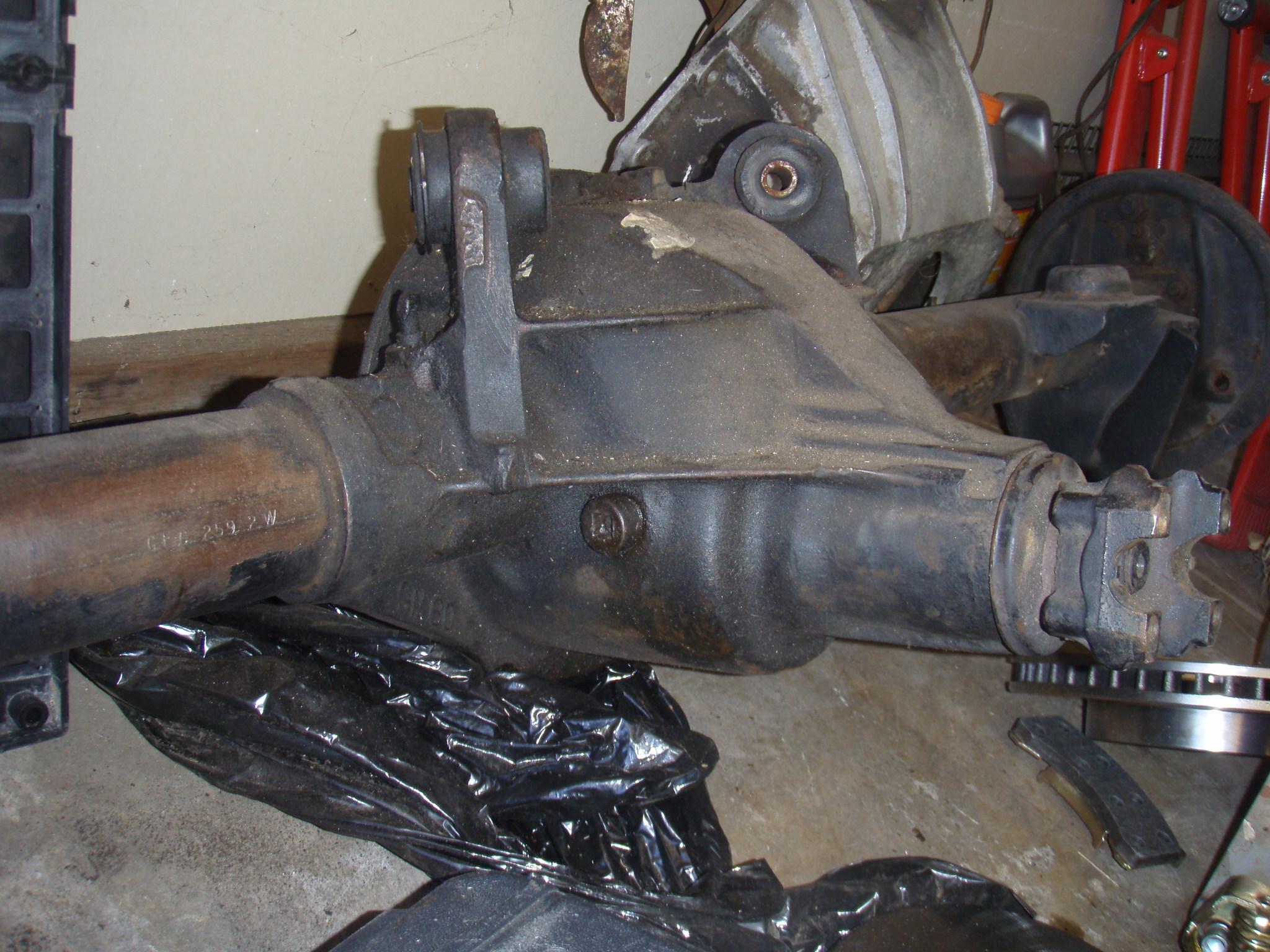 Rear axle identification???-pb010823.jpg