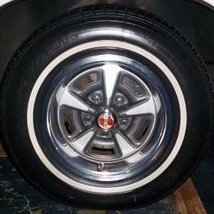 Original_Rally_II_wheels_on_71_LeMans_Sport_003